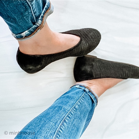 Eileen Fisher Nubuck Black Leather Wedge Patch